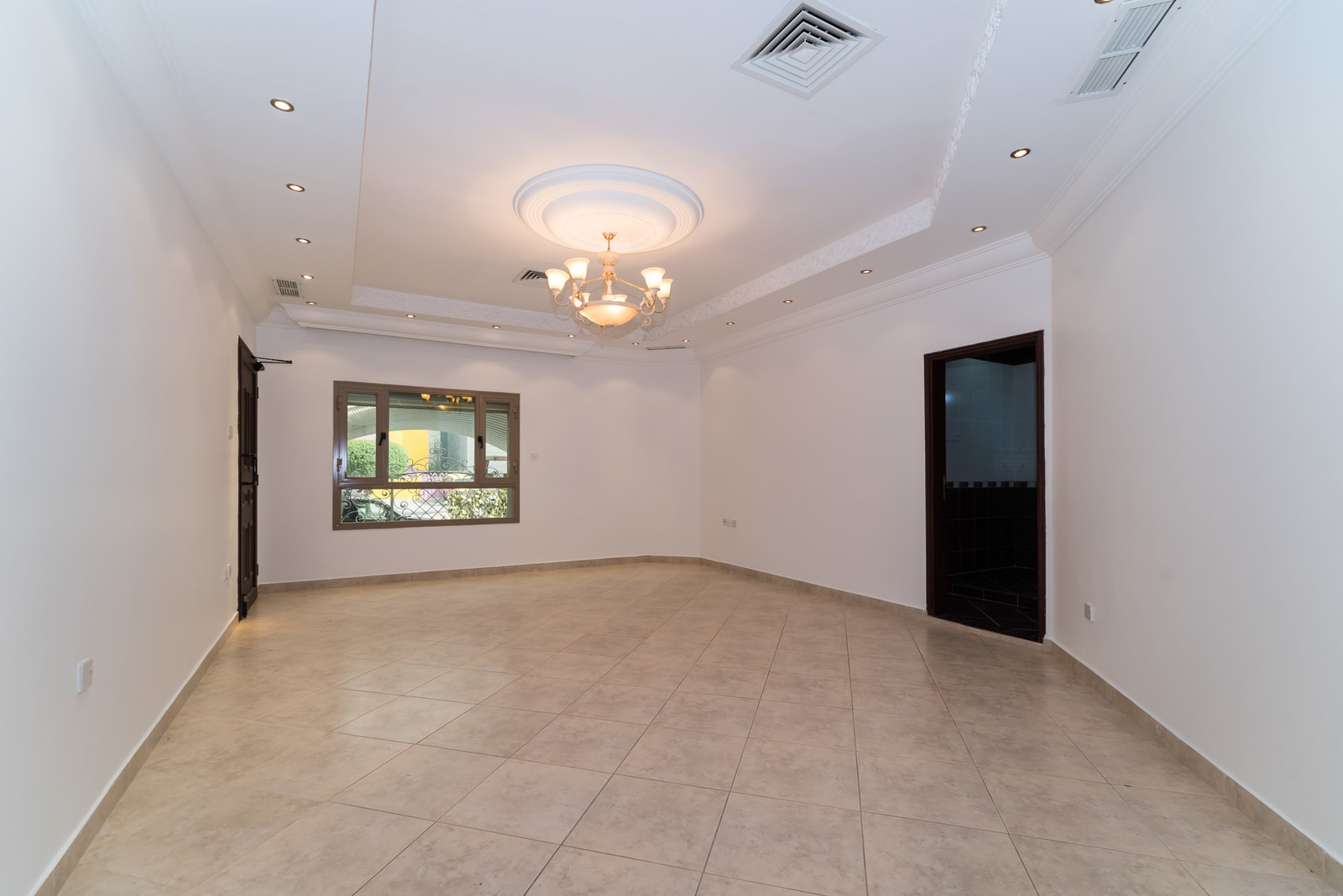 Salwa – older, rennovated, five bedroom ground floor w/yard