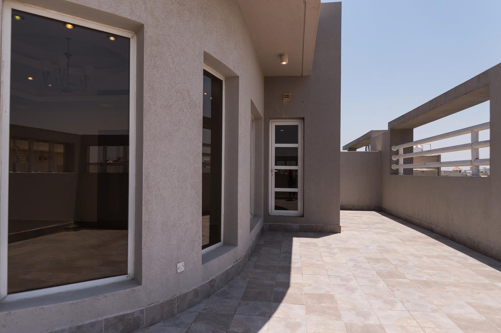 Rumathiya – great, unfurnished, three bedroom apartment w/large terrace