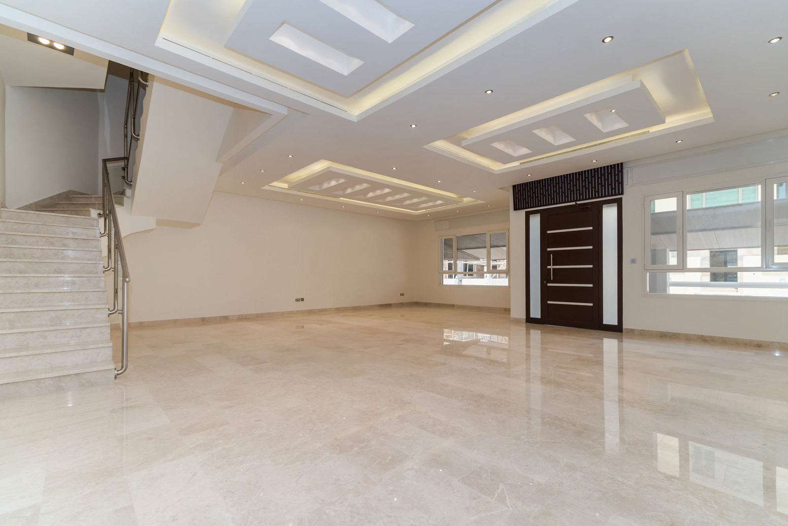 Salam – elegant, unfurnished, four bedroom duplex