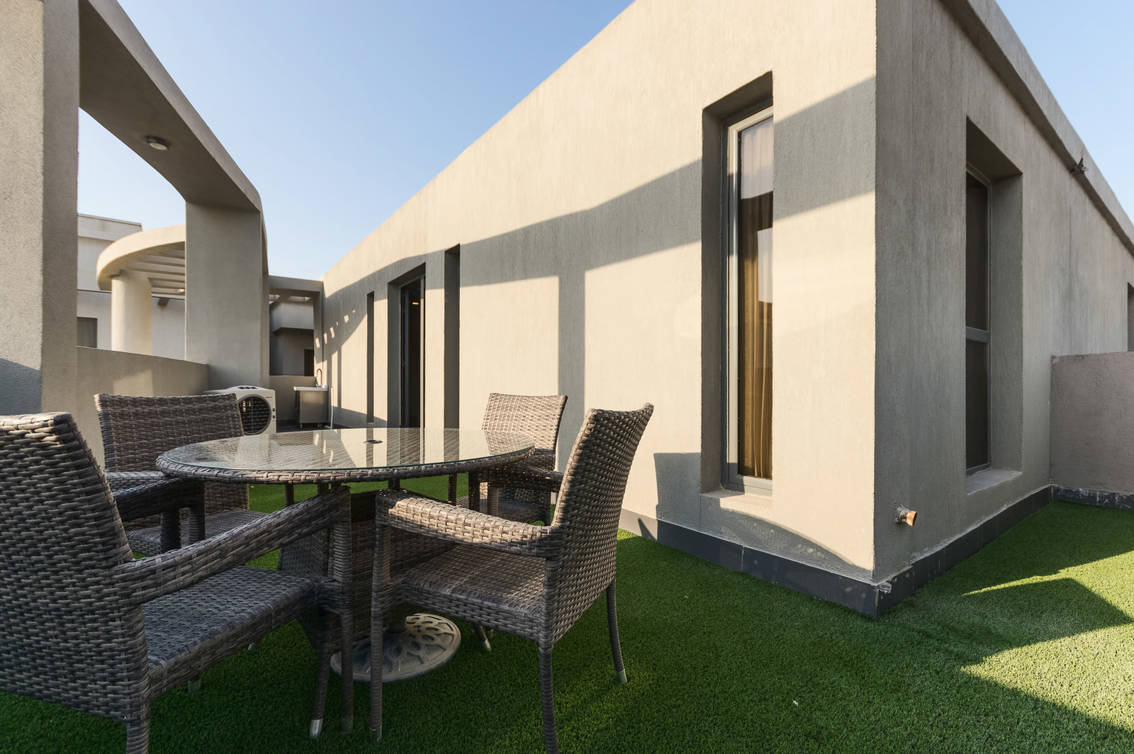 Fintas – great, furnished, two bedroom apartments w/terrace and facilities