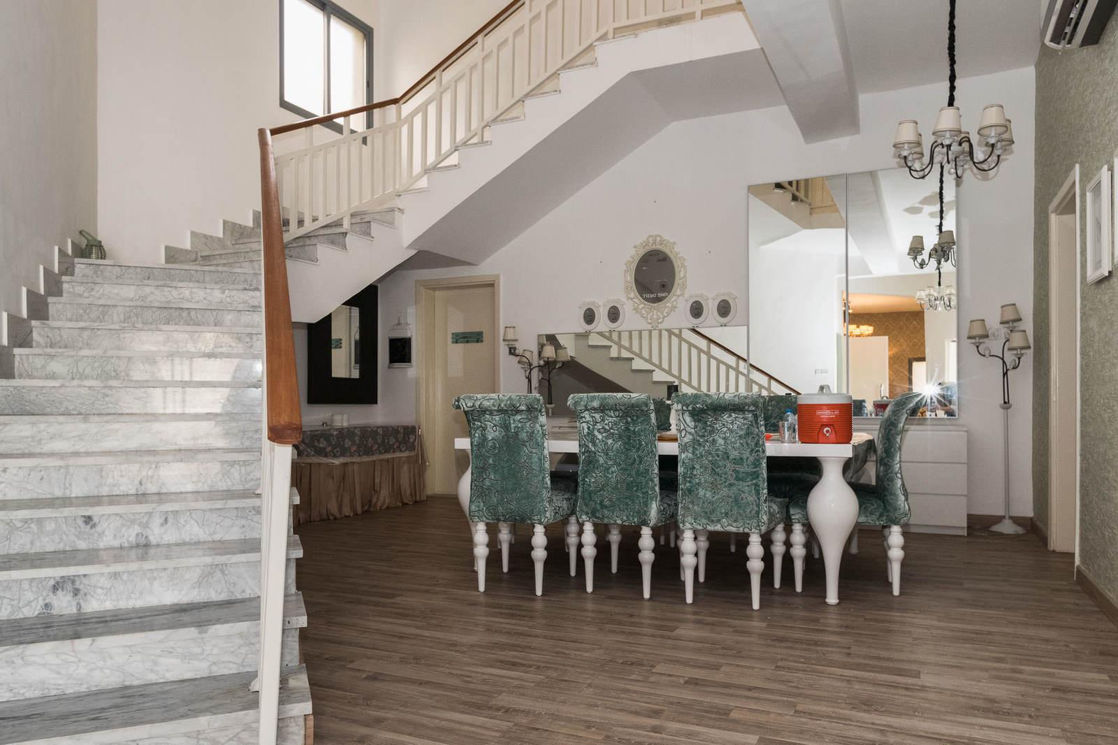 Sabah Al Ahmad – large, 5 bedroom furnished villa w/pool