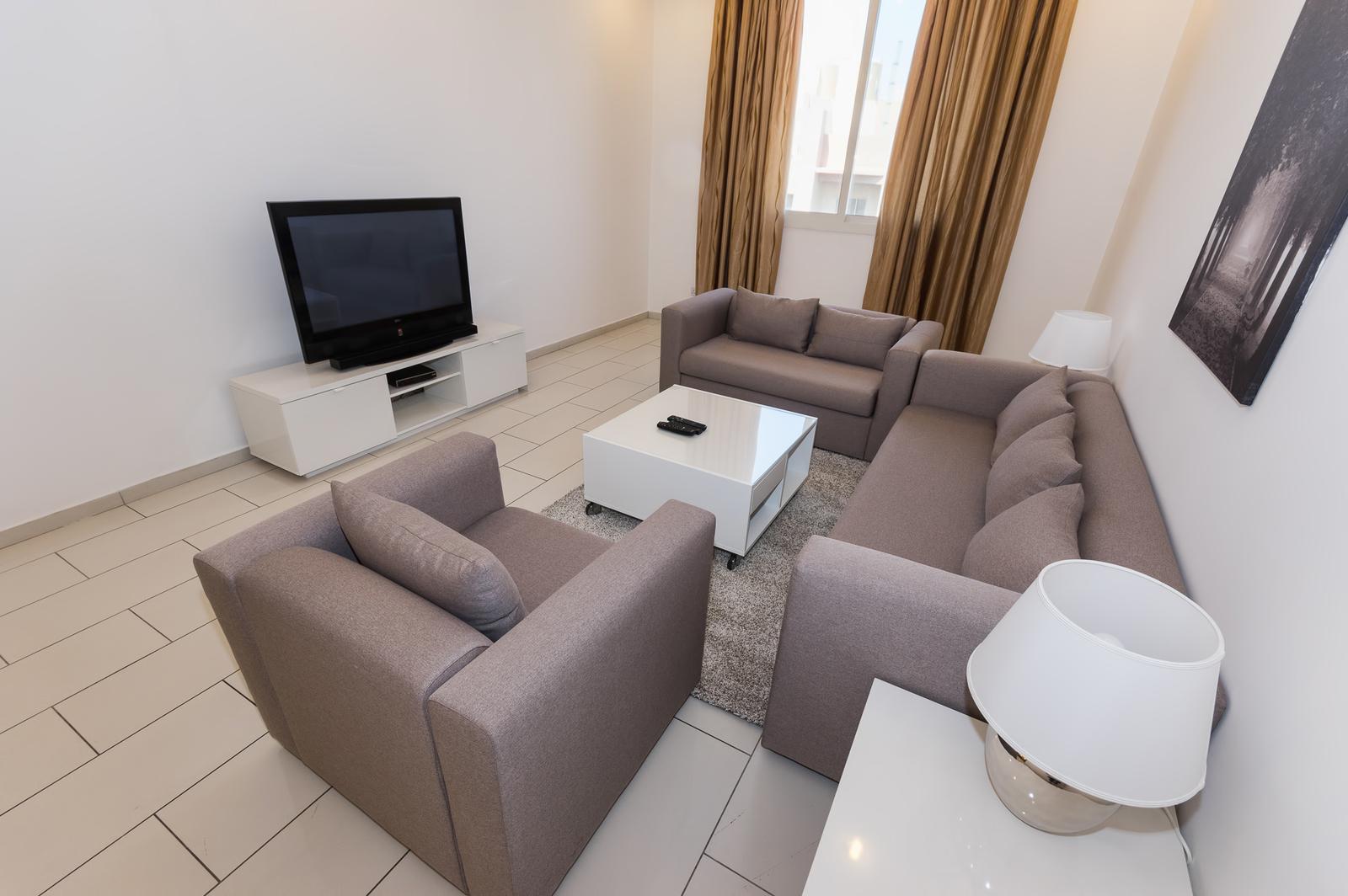 Salmiya – great, spacious, furnished three bedroom apartment