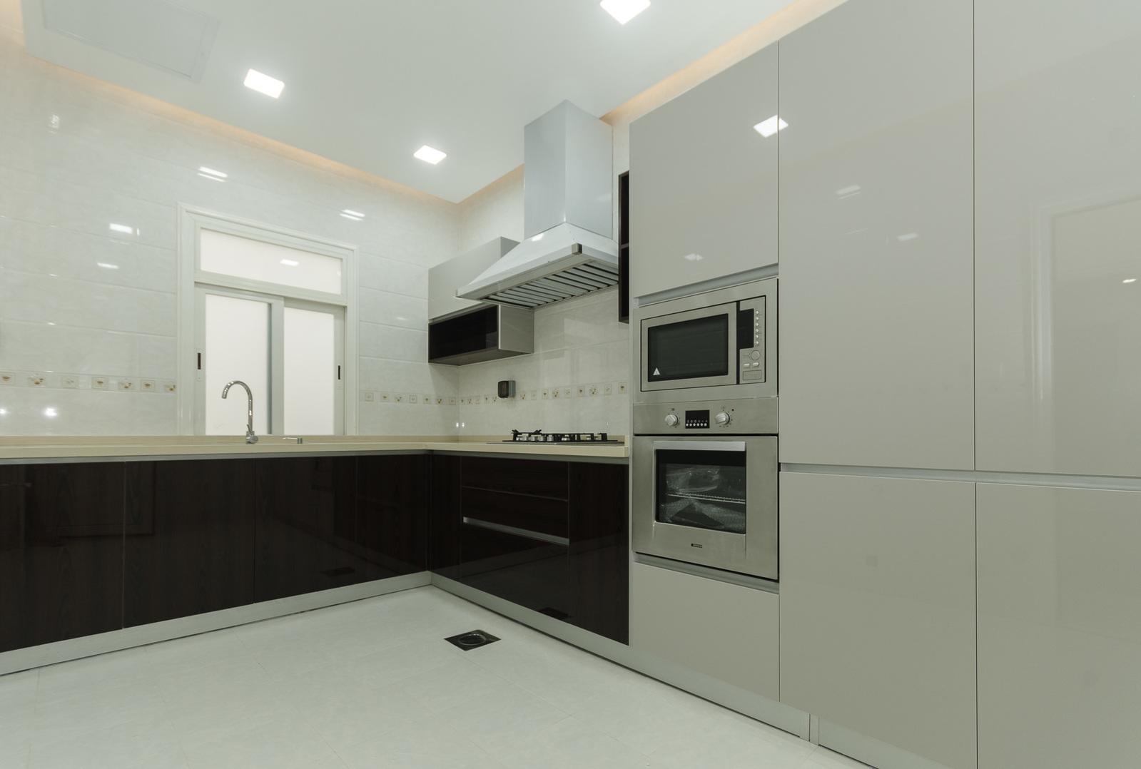 Abu Fatira – unfurnished, three bedroom apartment