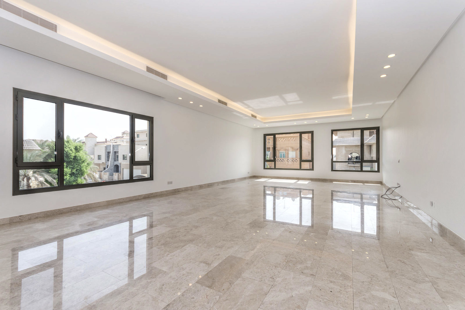 Yarmouk – elegant, unfurnished, four bedroom floor