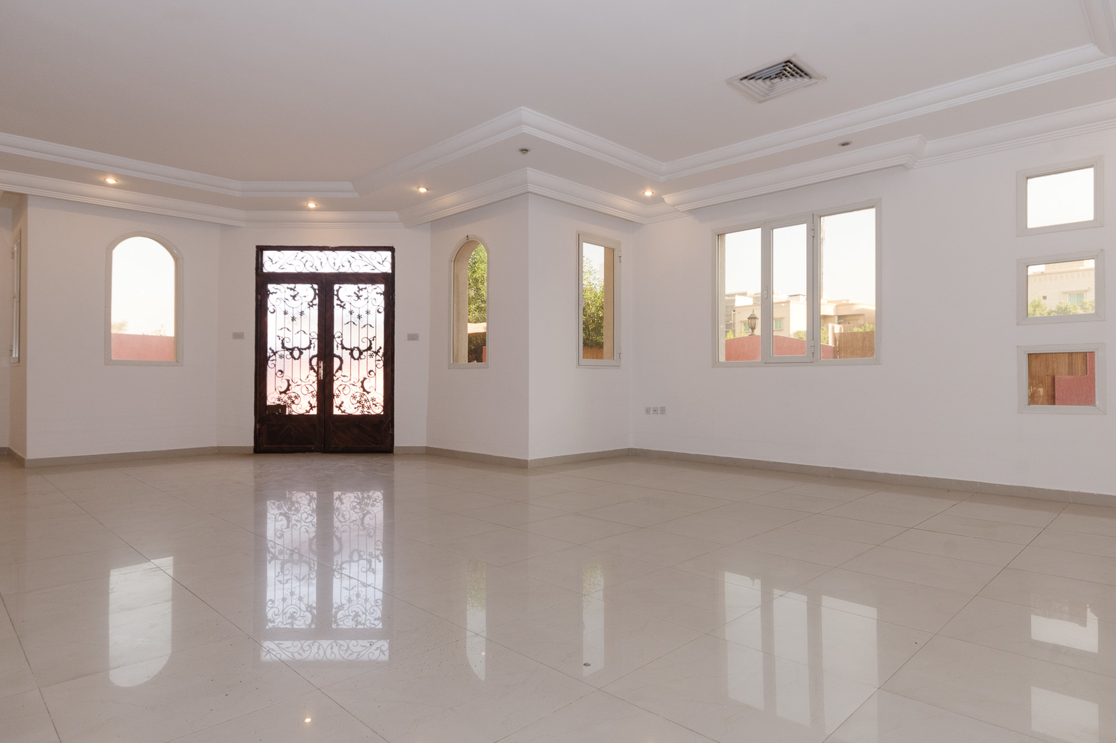 Egaila – unfurnished, three bedroom ground floor w/private yard