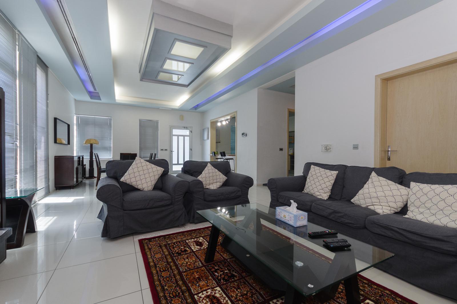 Salwa – fantastic, furnished, three bedroom apartment w/pool