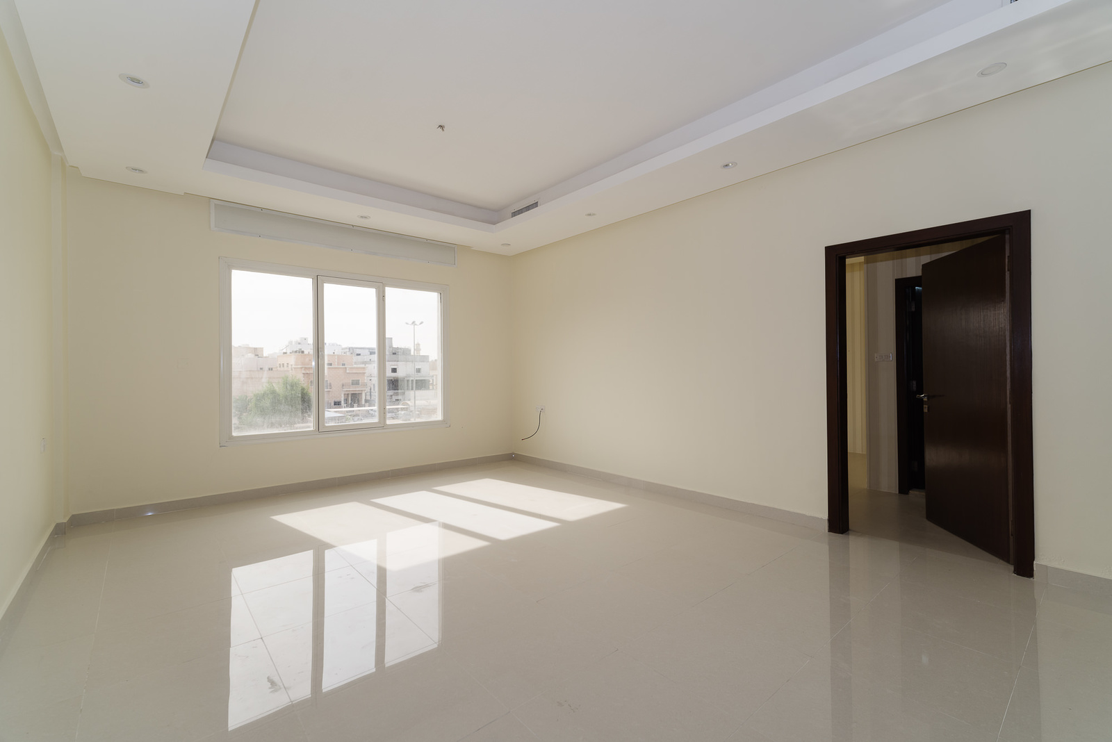 Salam – unfurnished, three bedroom apartment