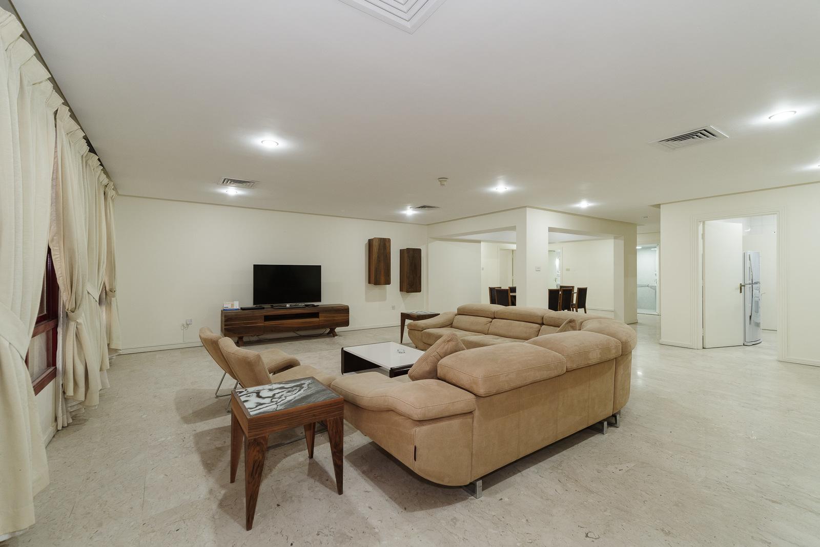 Salwa – great, spacious, furnished three bedroom apartment w/pool