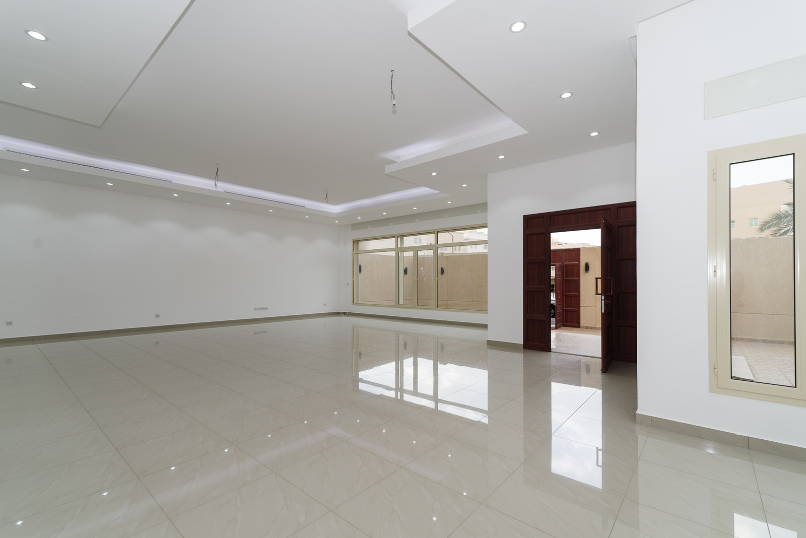 Salwa – brand new, very spacious, seven bedroom villa