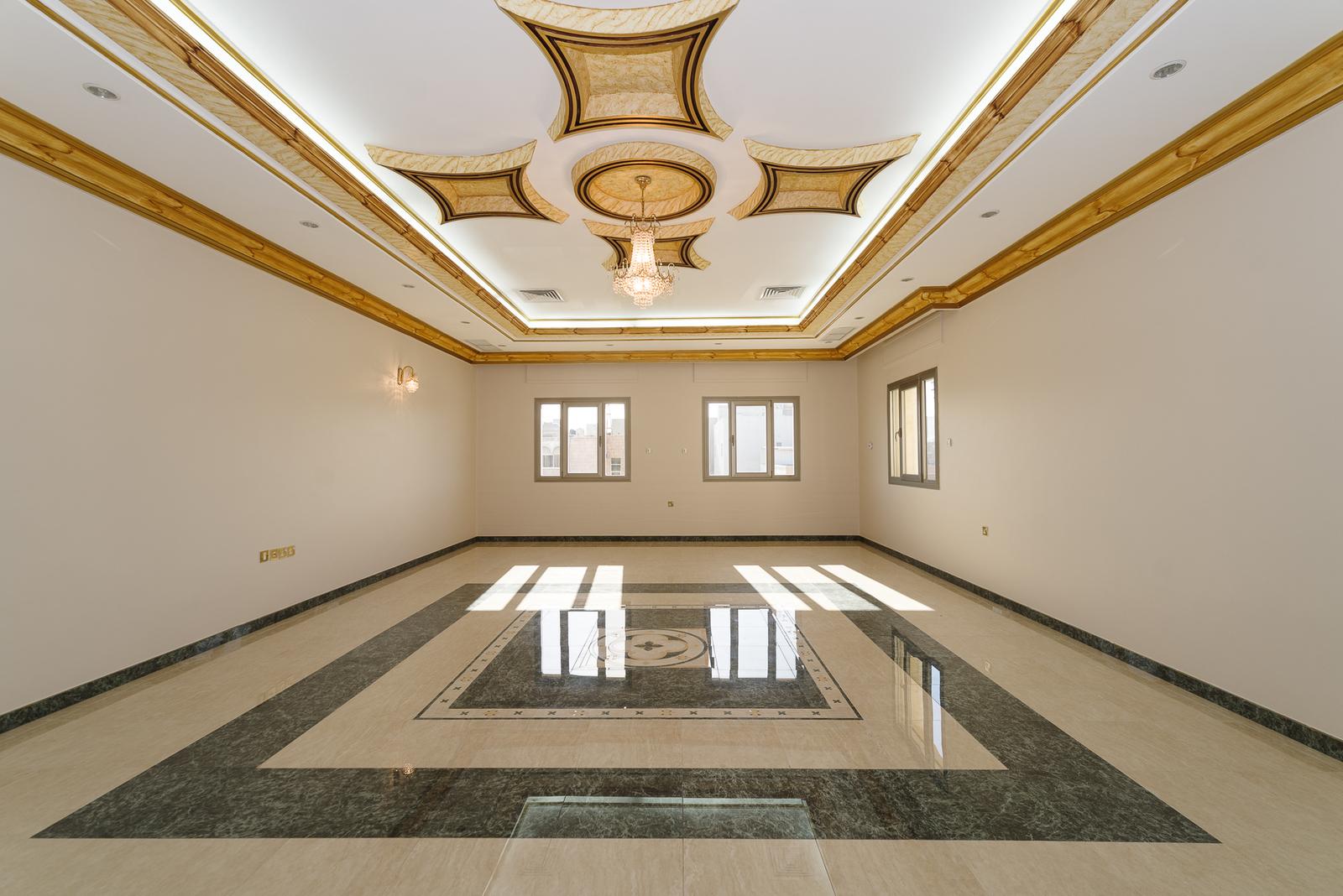 Bayan – fantastic, spacious, unfurnished five bedroom floor