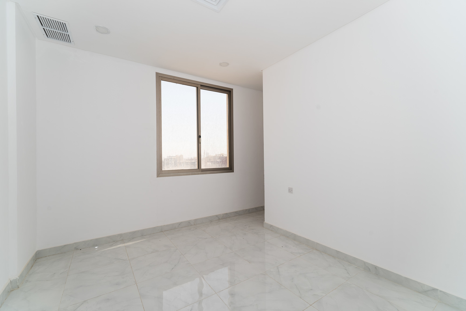 Hawally – unfurnished, three bedroom apartment w/indoor pool