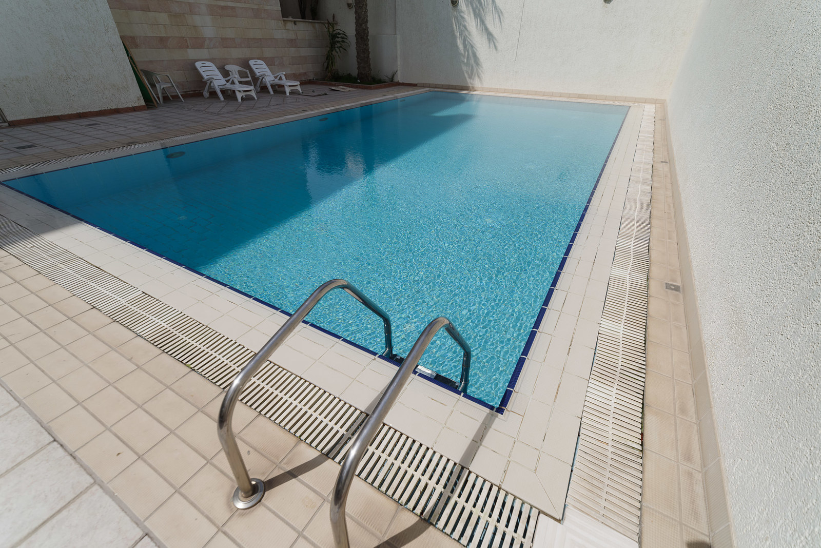 Salwa – spacious, unfurnished, three bedroom apartments w/pool