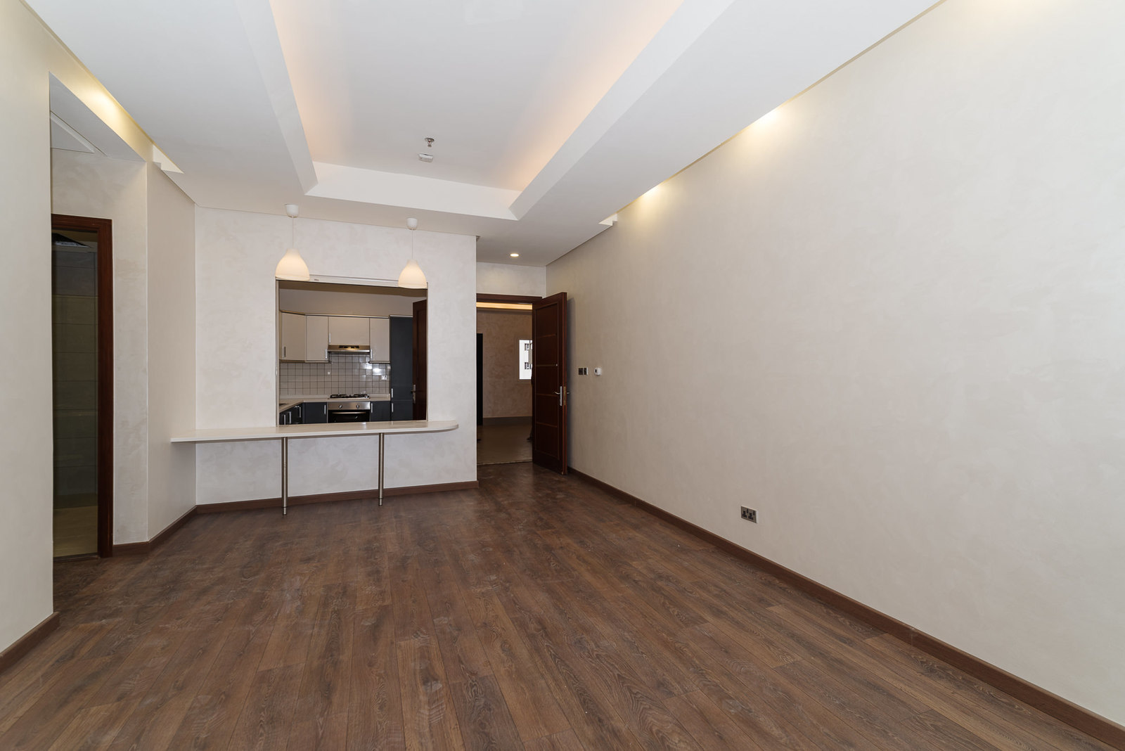 Salmiya – great, new, semi furnished two bedroom apartments w/pool