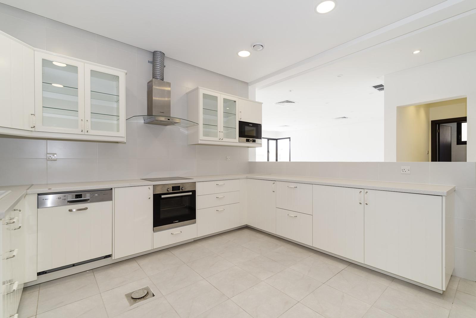 Qadsiya – fantastic, spacious, semi furnished, four bedroom floor w/balcony
