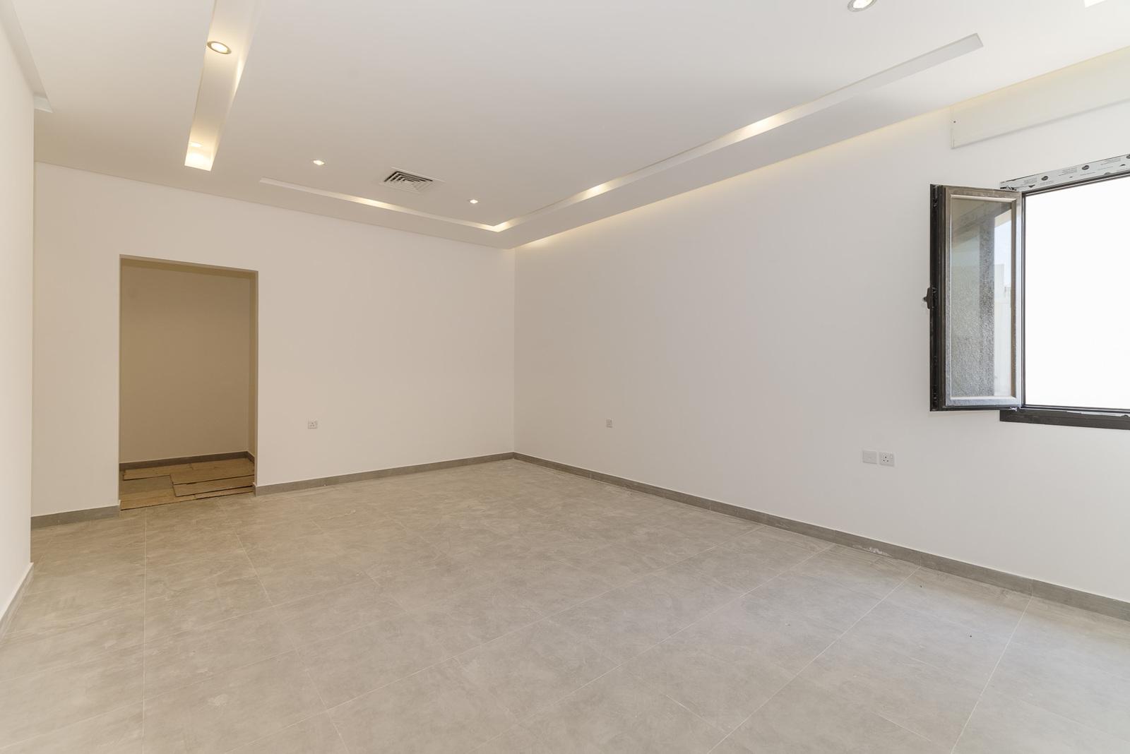 Abu Fatira – brand new, spacious, four bedroom apartment