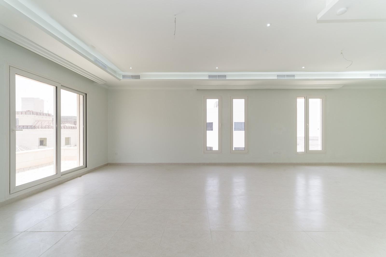 Fnaitees – spacious, unfurnished, three bedroom apartment