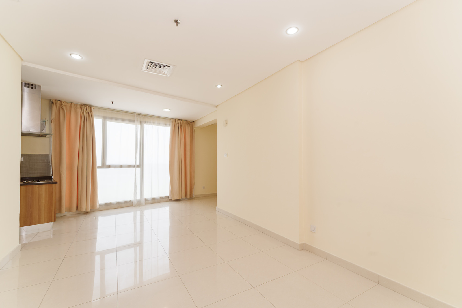 Fintas – semi furnished, two bedroom apartments w/facilities and sea view