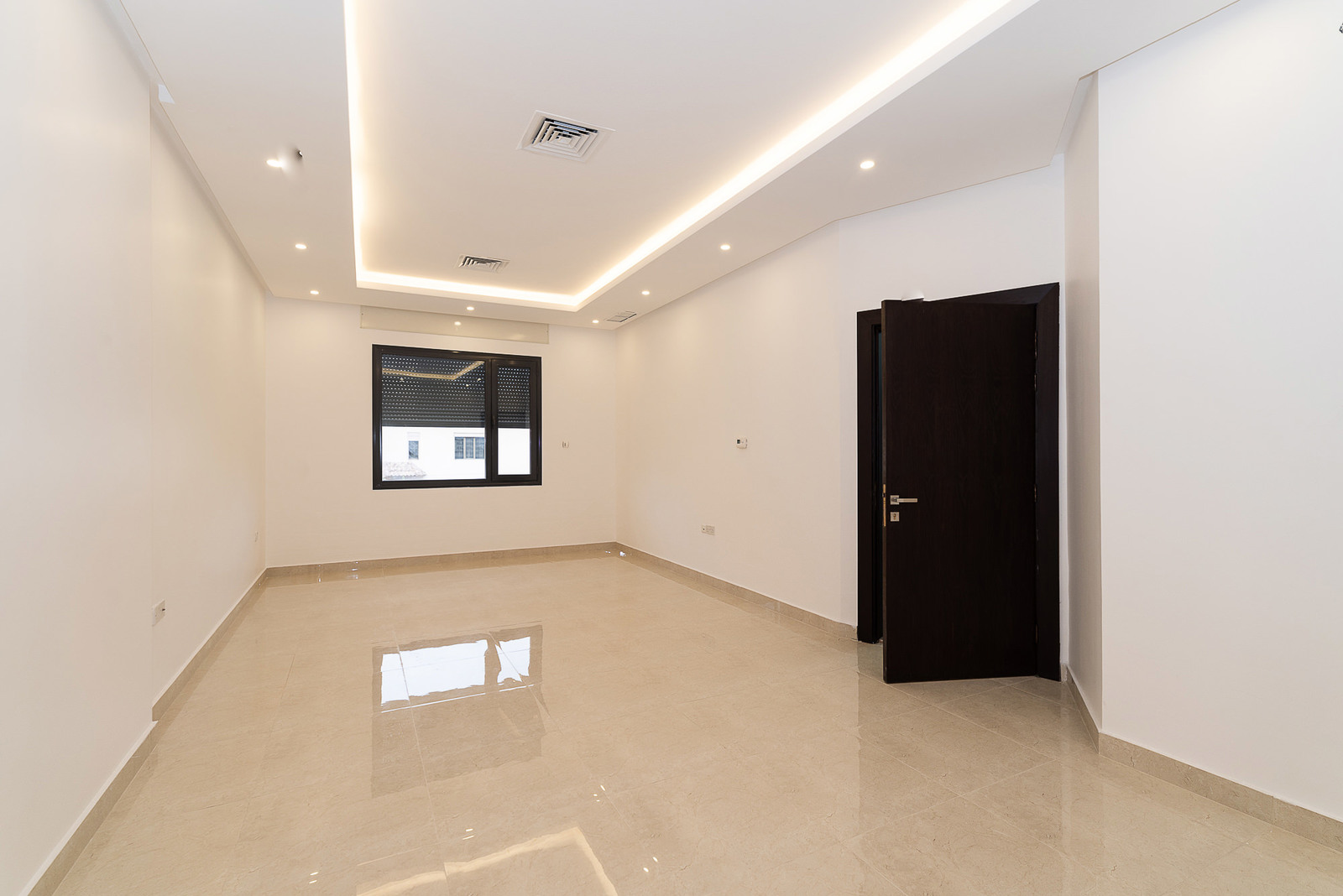 Salam – new, unfurnished, three bedroom apartments