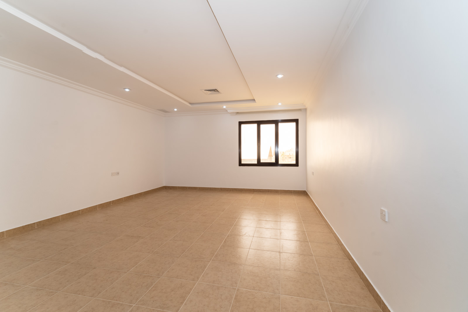 Salwa – unfurnished, four bedroom apartment