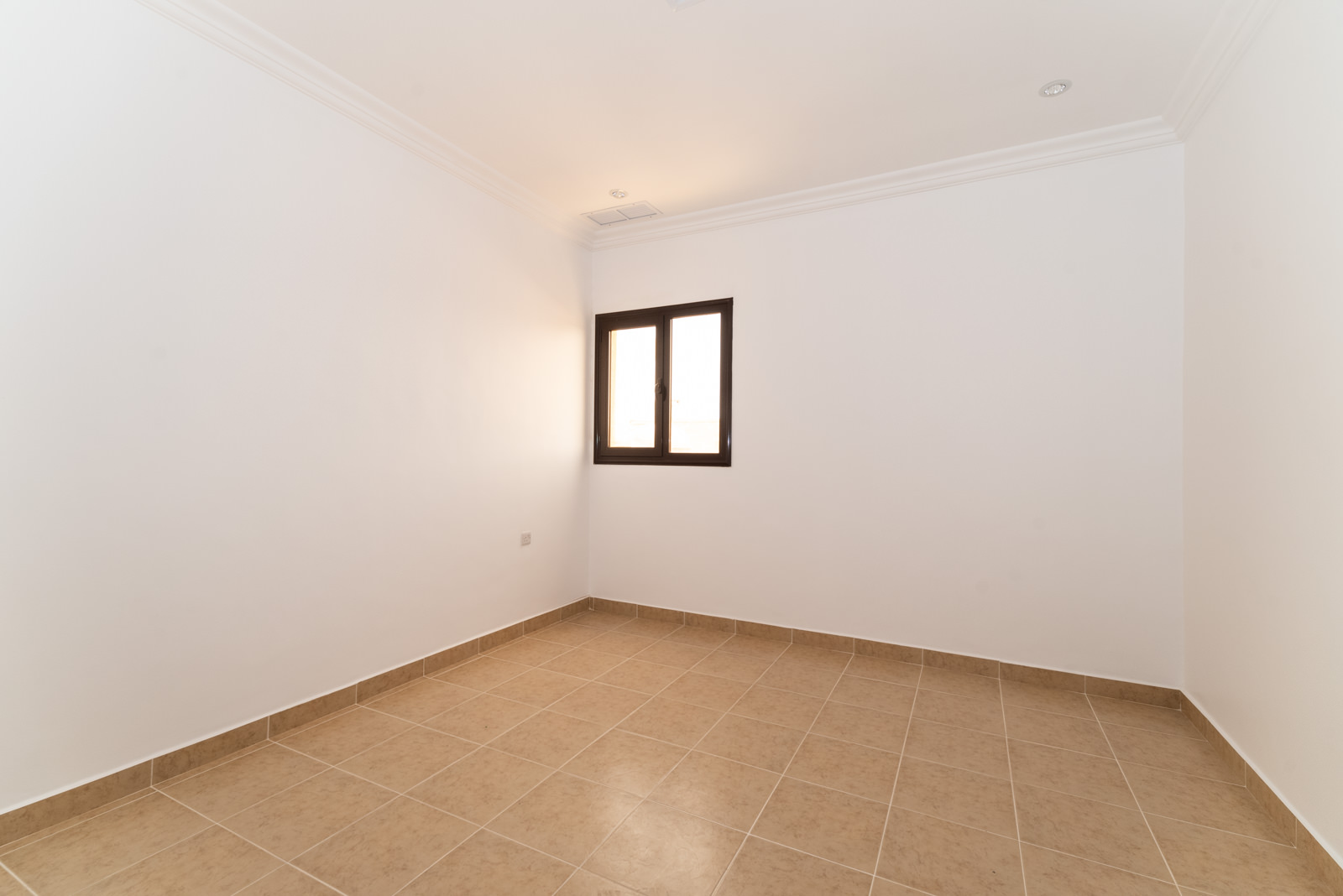 Salwa – unfurnished, three bedroom apartment w/very large roof terrace