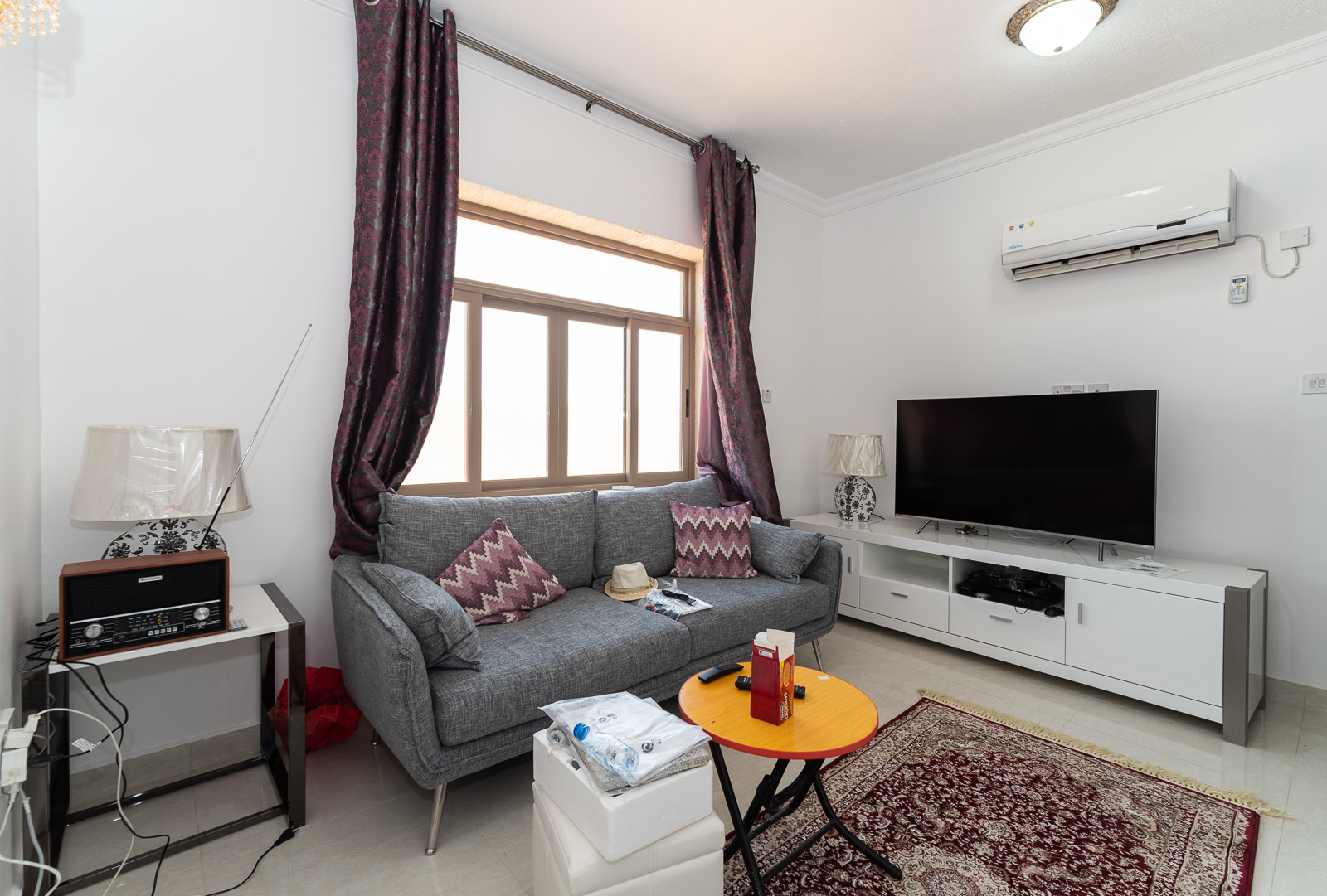 Fnaitees – brand new, furnished studio