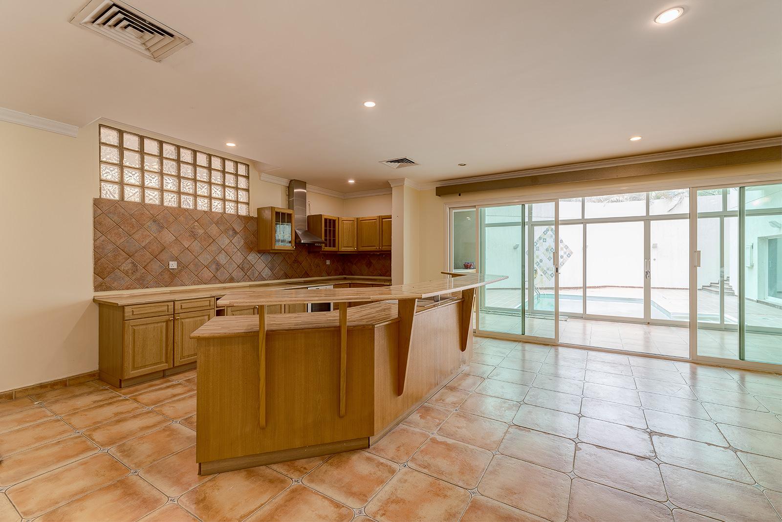 Mubarak Al Kabeer – very nice, spacious, unfurnished villa w/private pool