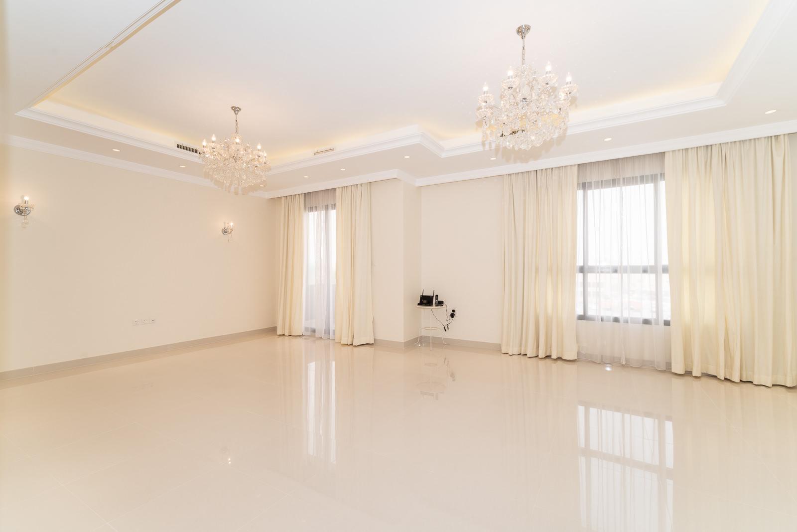 Jabriya – great, spacious four bedrooms apartment