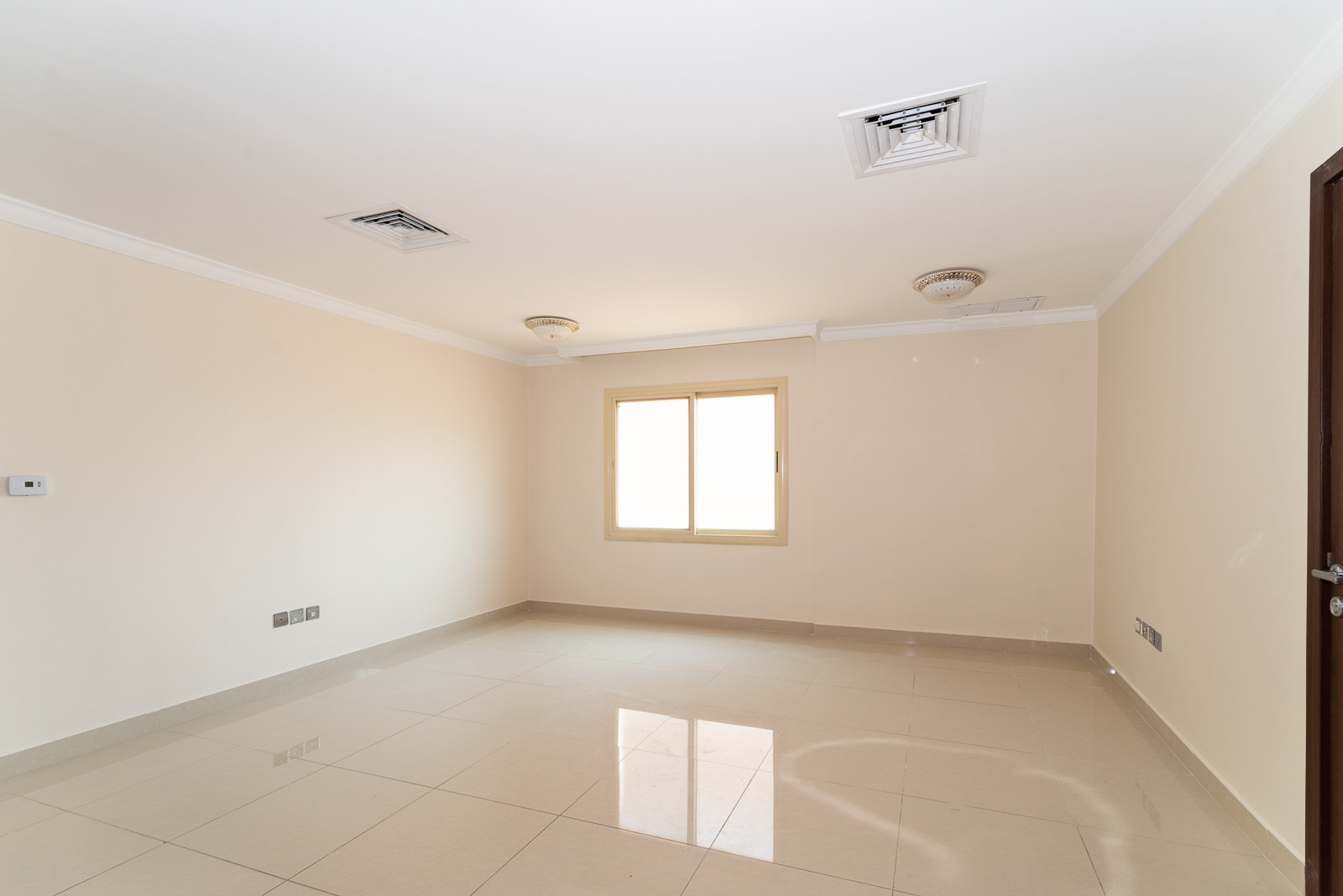 Qortuba – unfurnished, three bedroom apartment