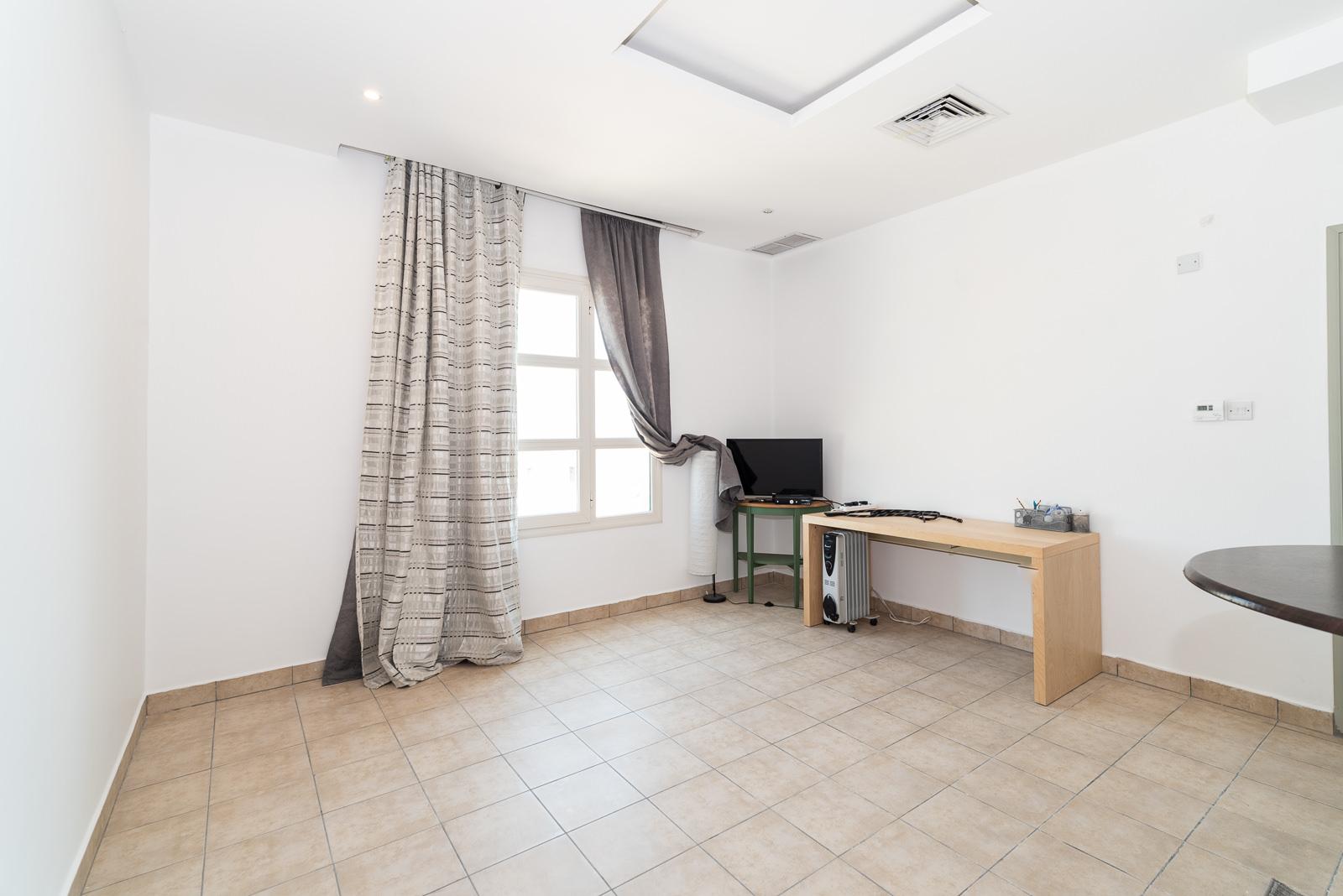 Mishref – unfurnished, studio apartment