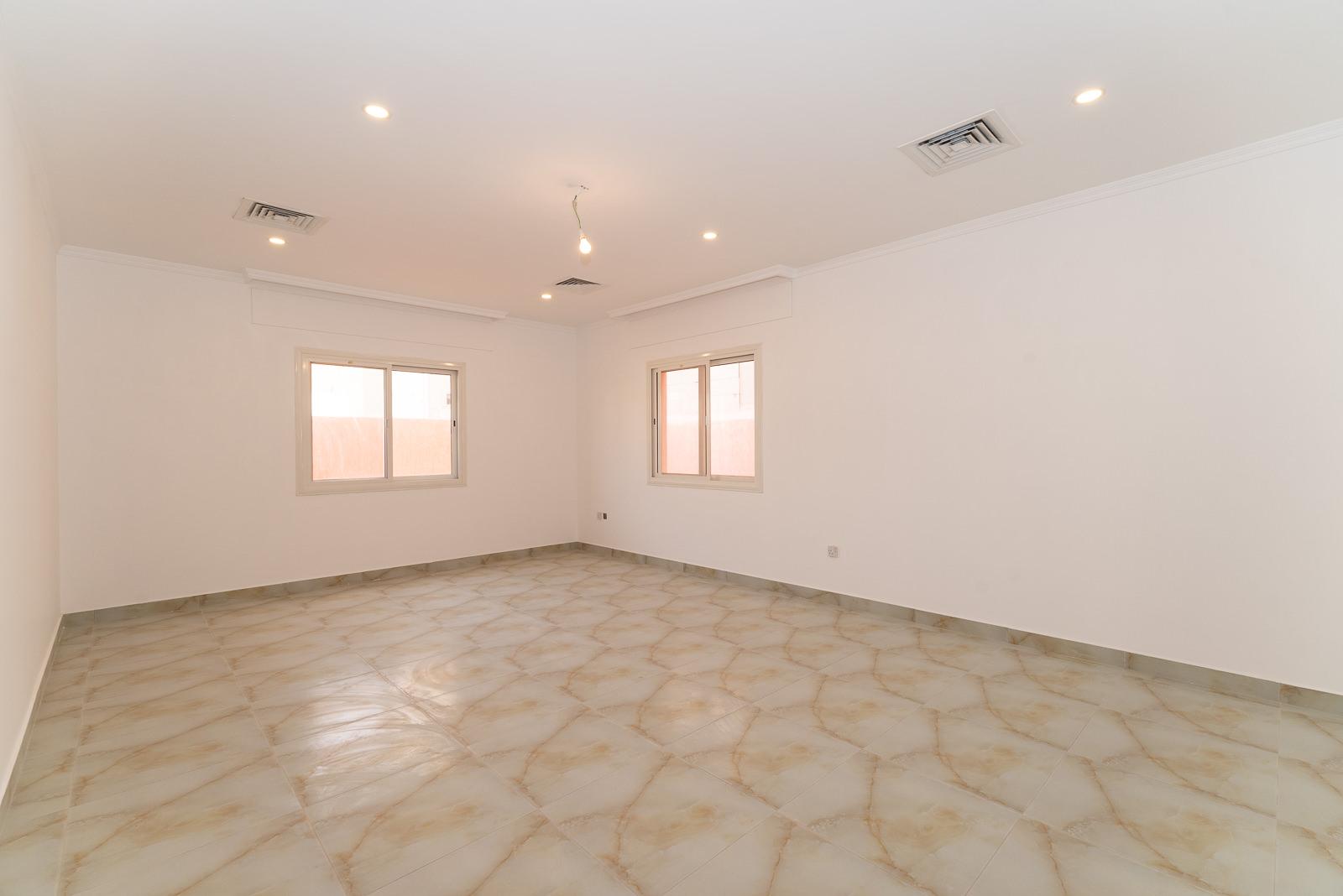 Fnaitees – new, unfurnished four bedroom villa w/yard