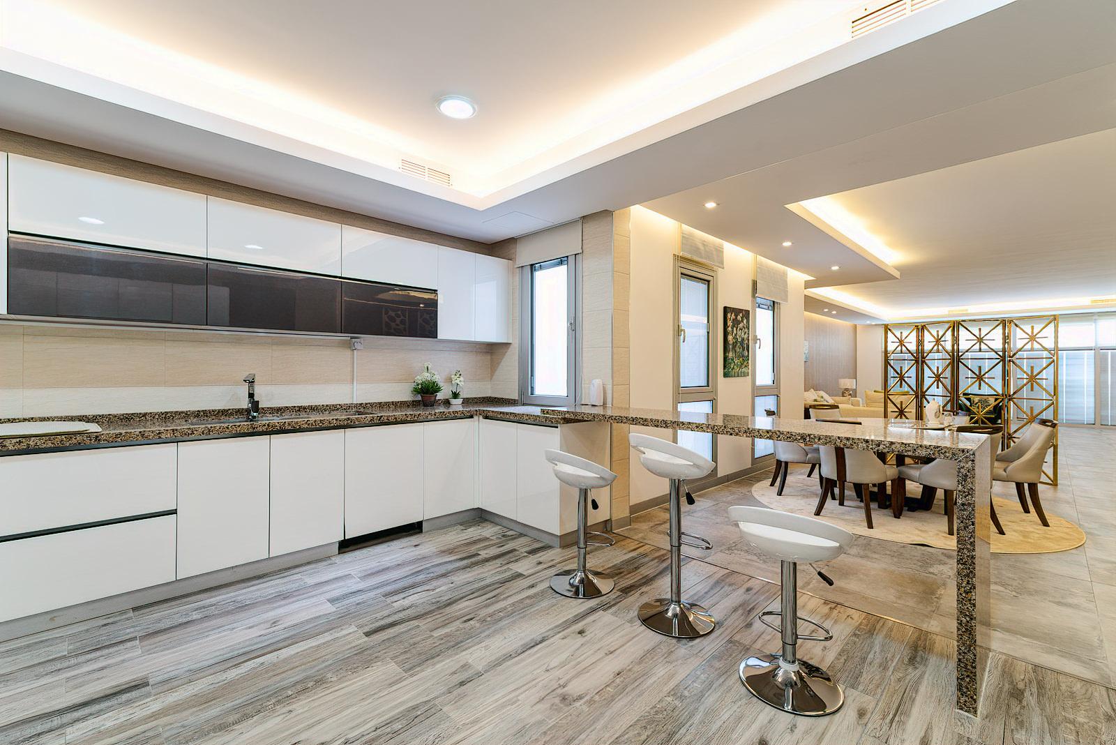 Bayan – elegant, furnished three bedroom floor w/balcony