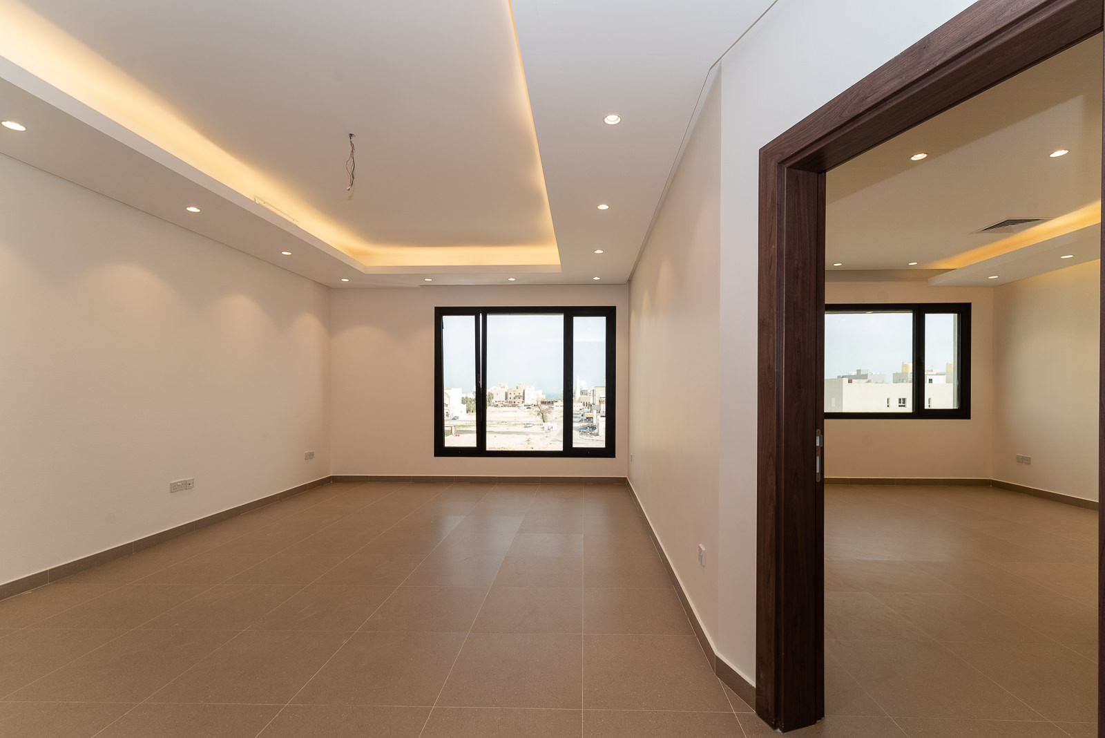 Fnaitees – great, spacious three bedroom apartment