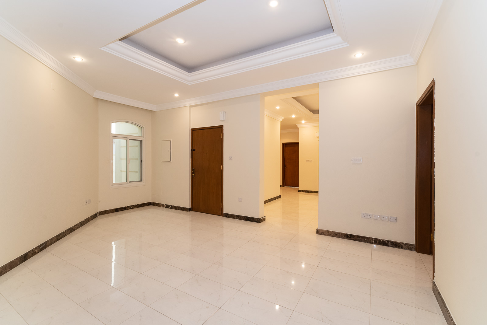 Abu Al Hasania – lovely, spacious, unfurnished, three bedroom floor w/terrace