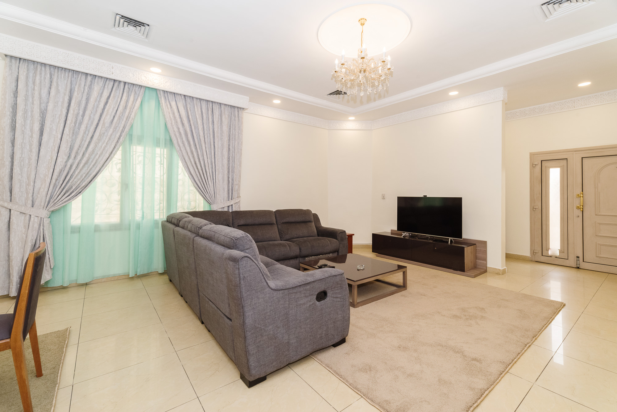 Salwa – spacious, furnished three bedroom ground floor apartment