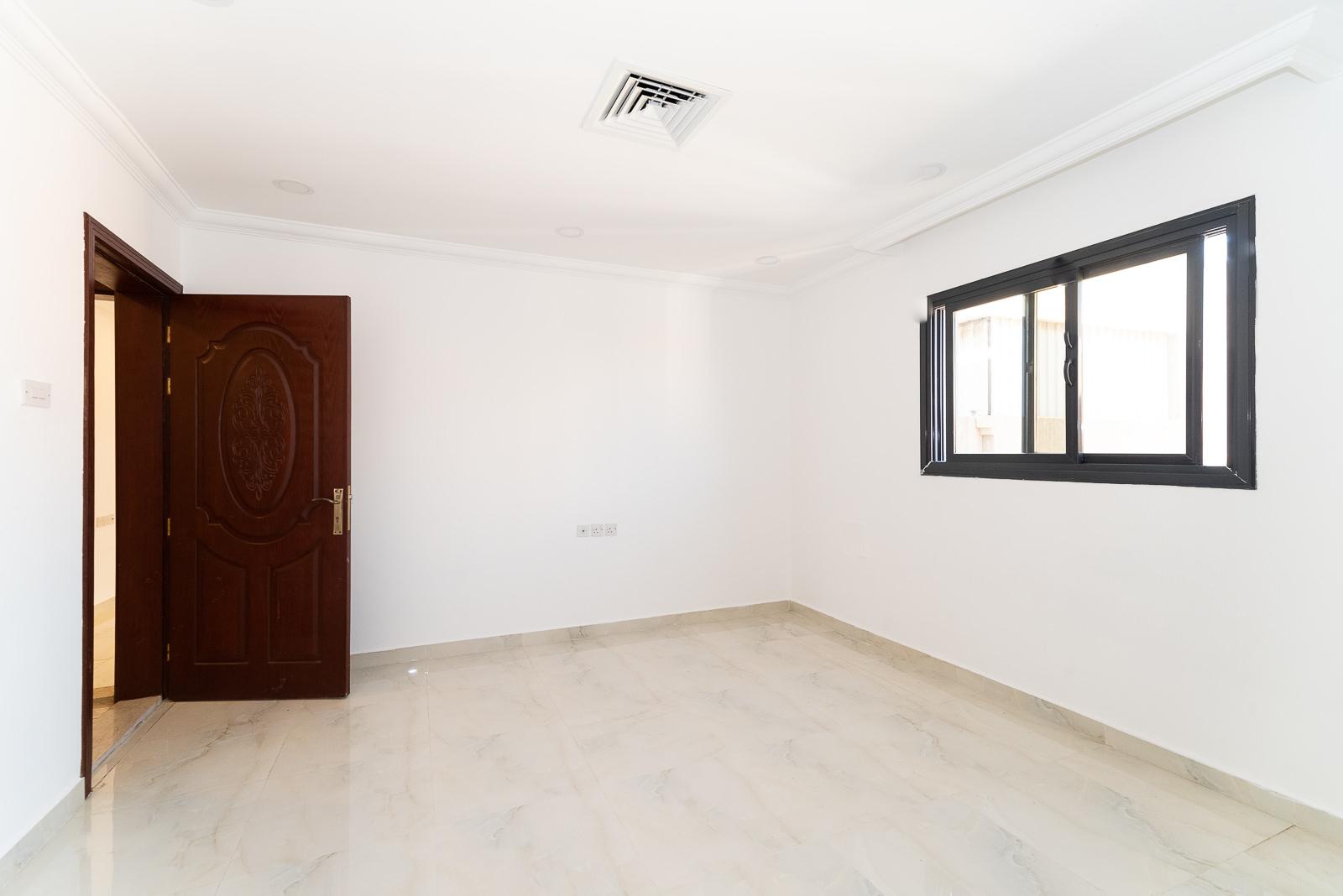 Egaila – unfurnished, three bedroom floor