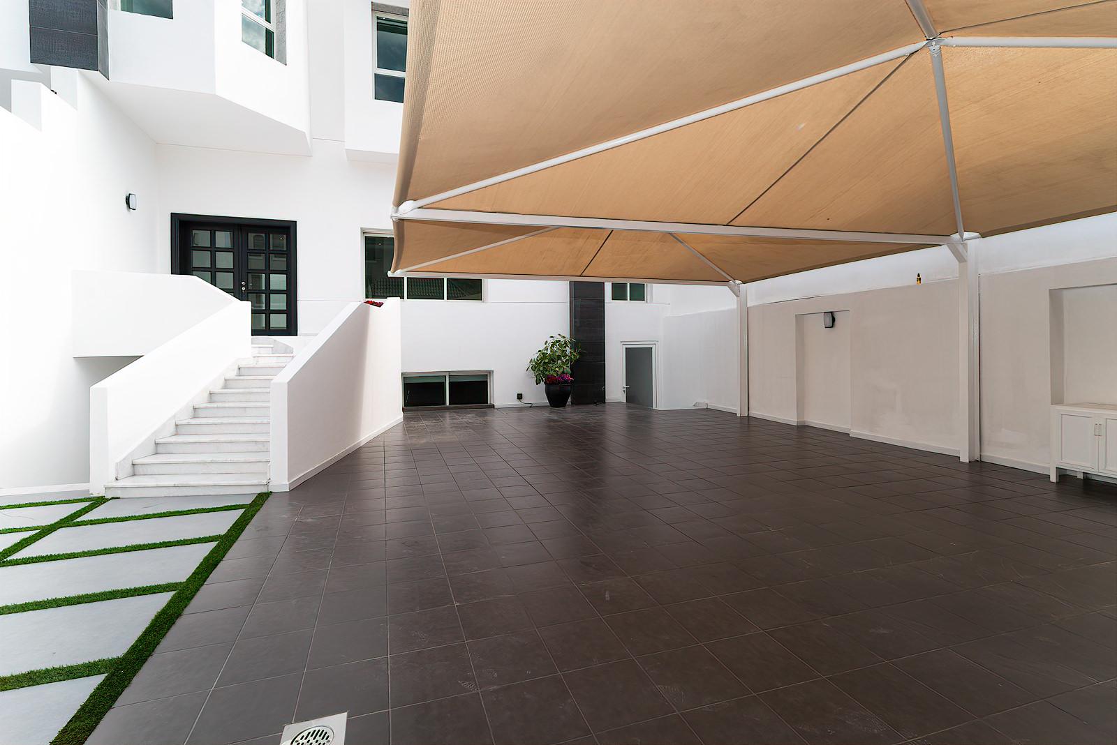 Mishref – beautiful, spacious four bedroom villa w/garden