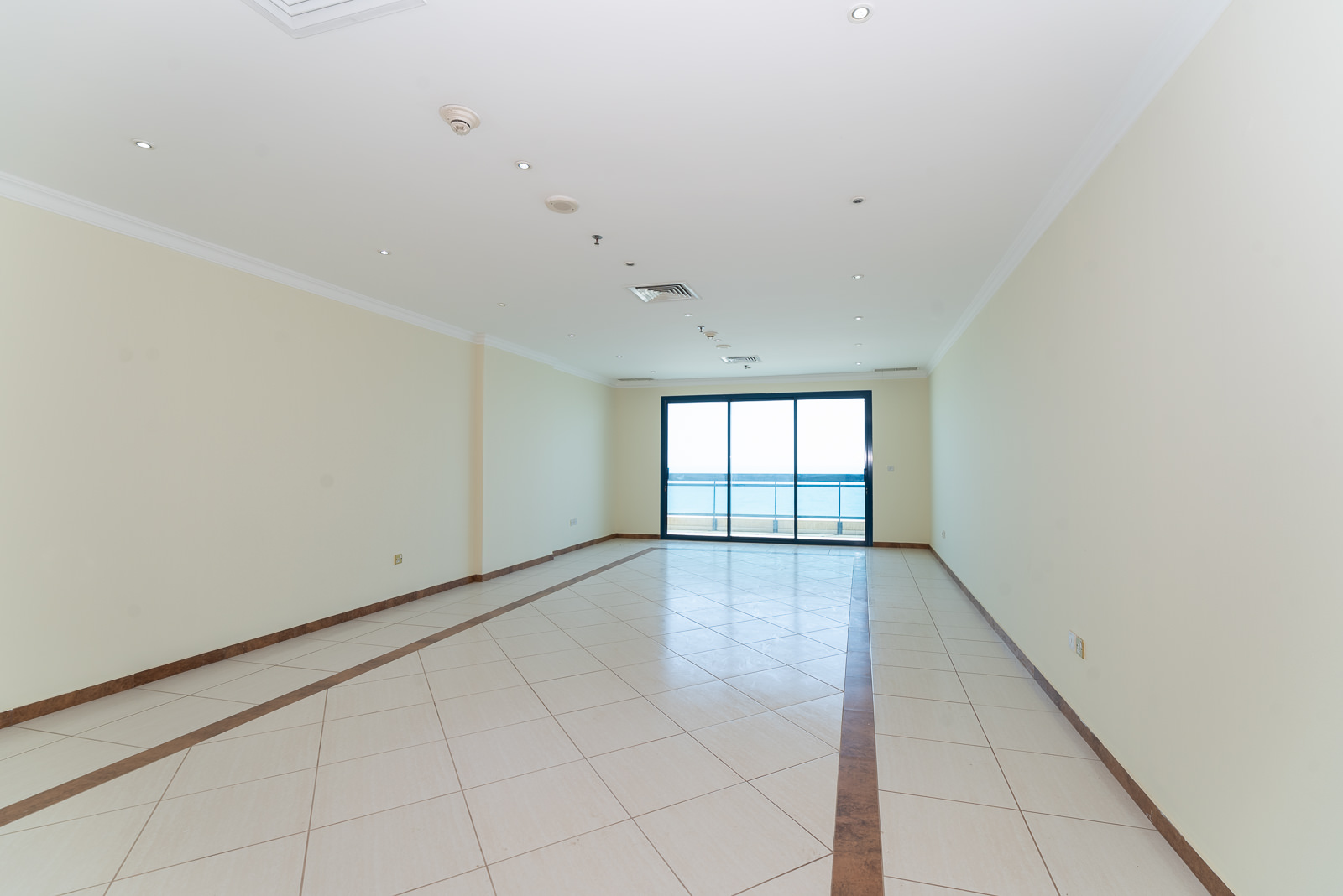 Salmiya – older, spacious, three bedroom apartment w/sea view and balcony