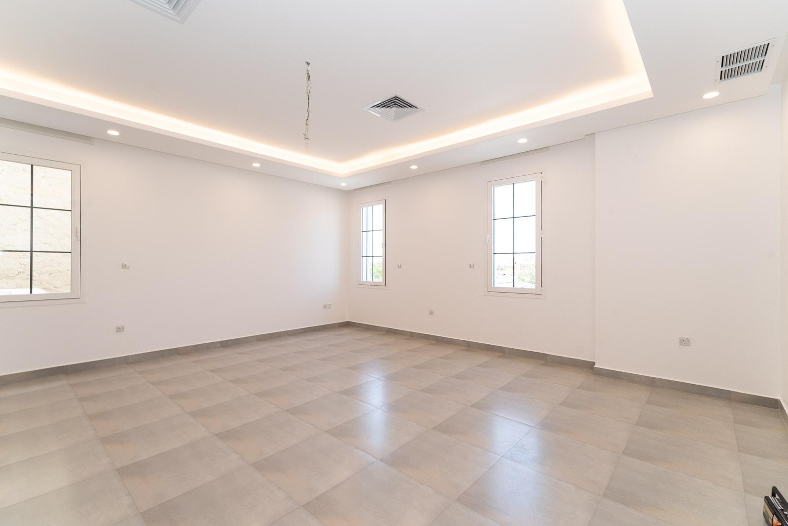 Rawda – new, unfurnished, four bedroom floor