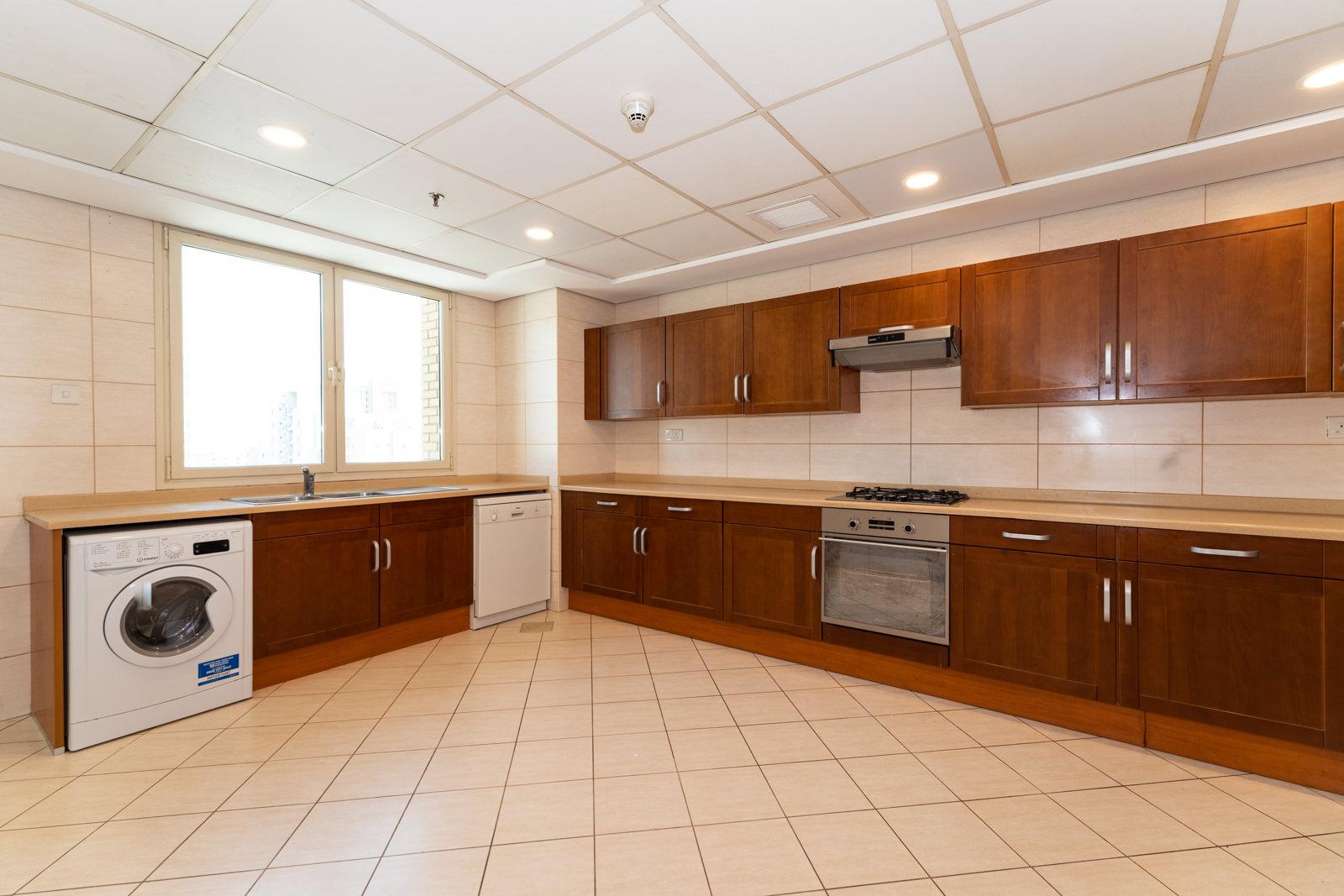 Bneid Al Gar – unfurnished, three bedroom apartments w/panoramic view
