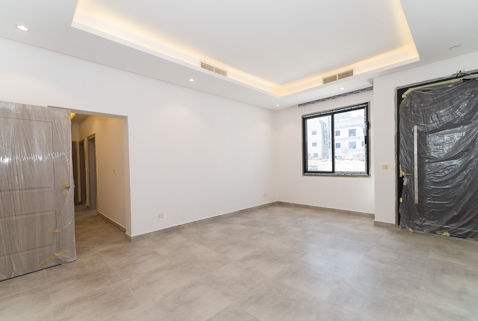 Fnaitees – new, unfurnished, three bedroom apartments