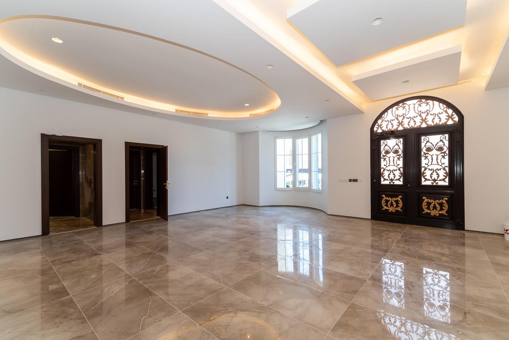 Khaldiya – beautiful four bedroom floor w/diwaniya