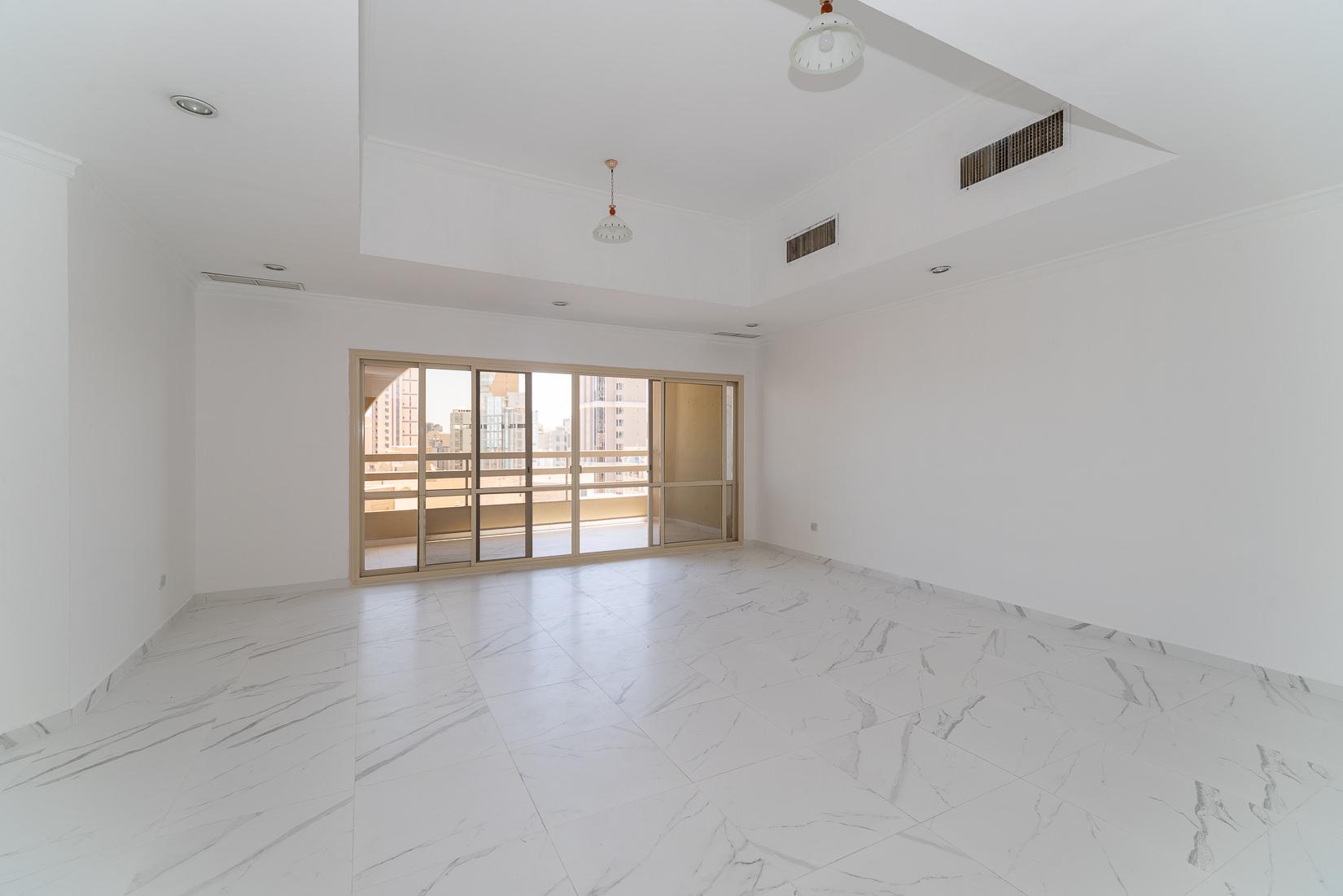 Shaab – spacious, top floor apartment w/panoramic views