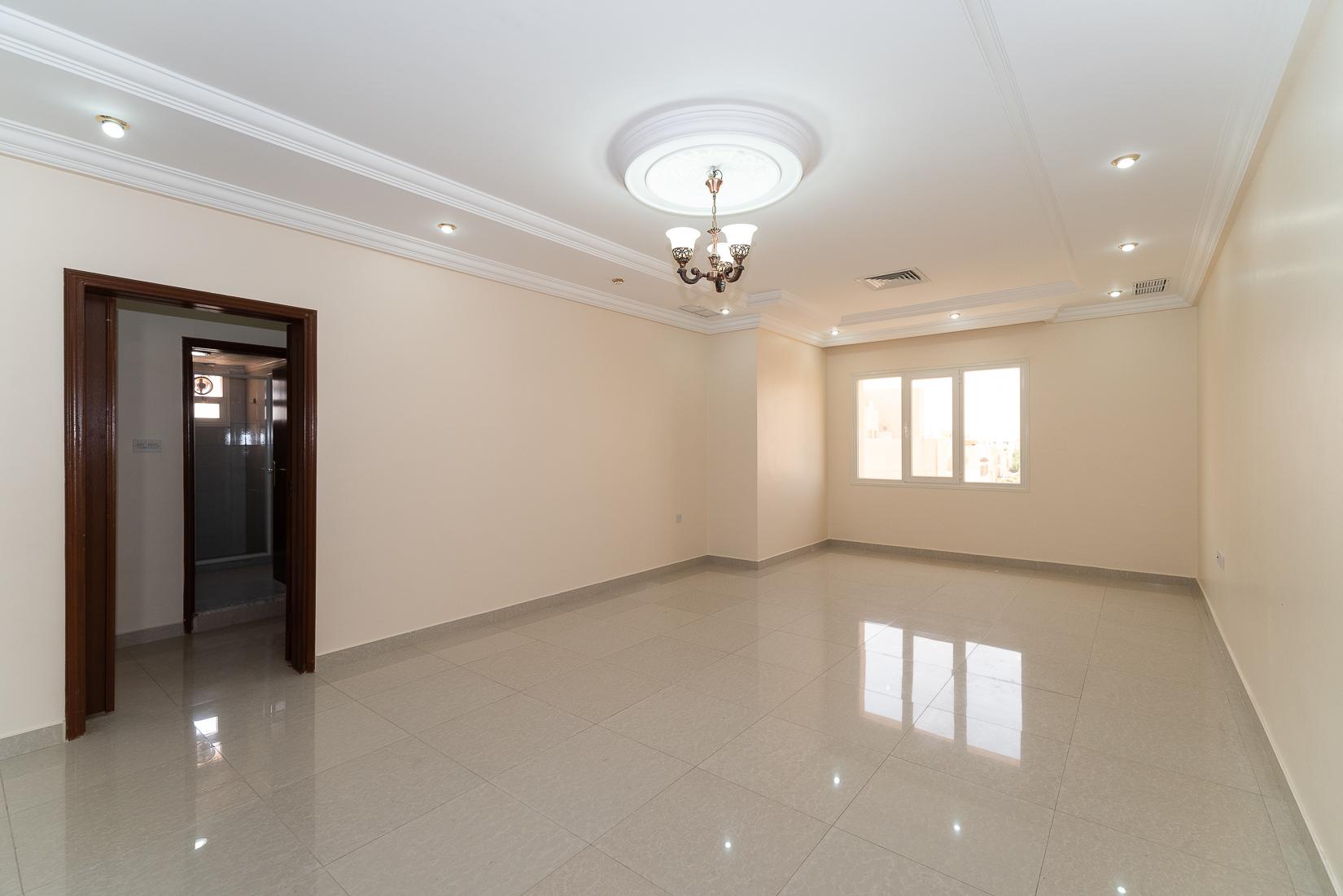 Salwa – spacious, unfurnished three bedroom apartment