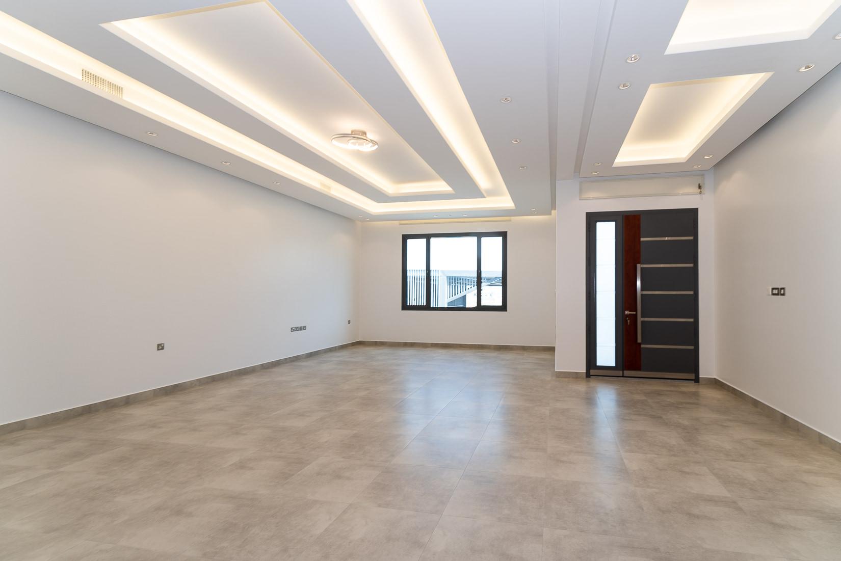 Abu Fatira – fantastic, contemporary, unfurnished floors