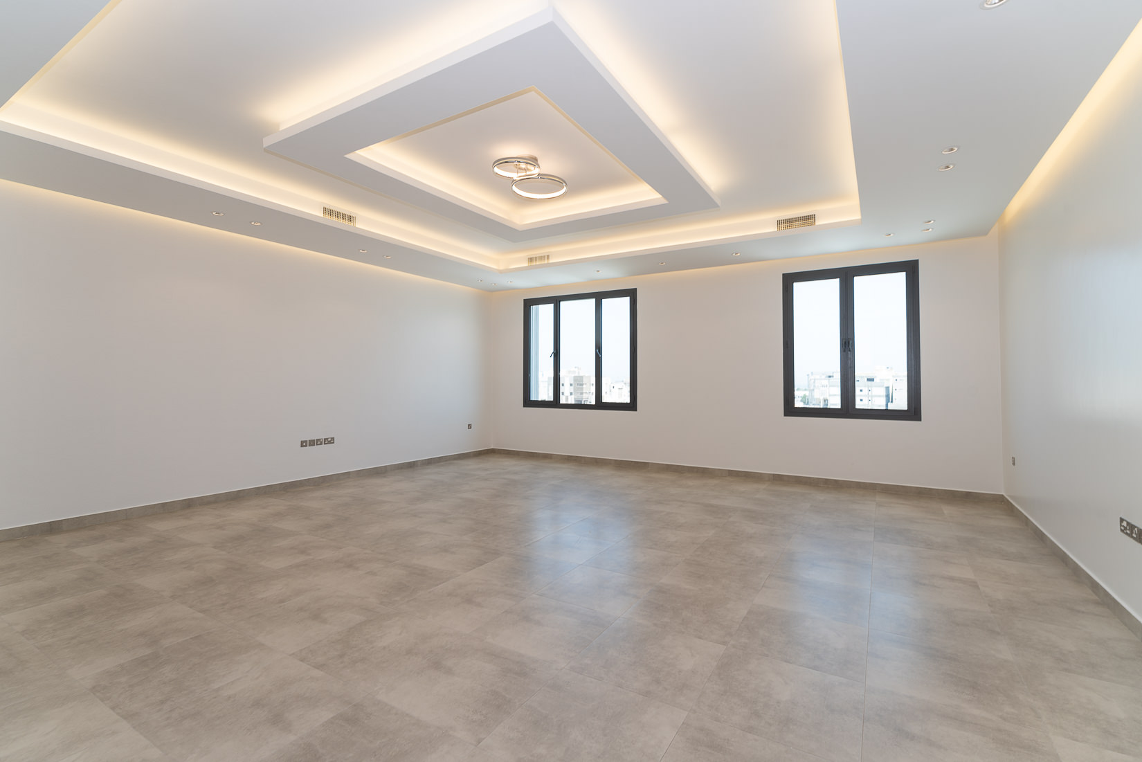 Abu Fatira – fantastic, contemporary, unfurnished floors