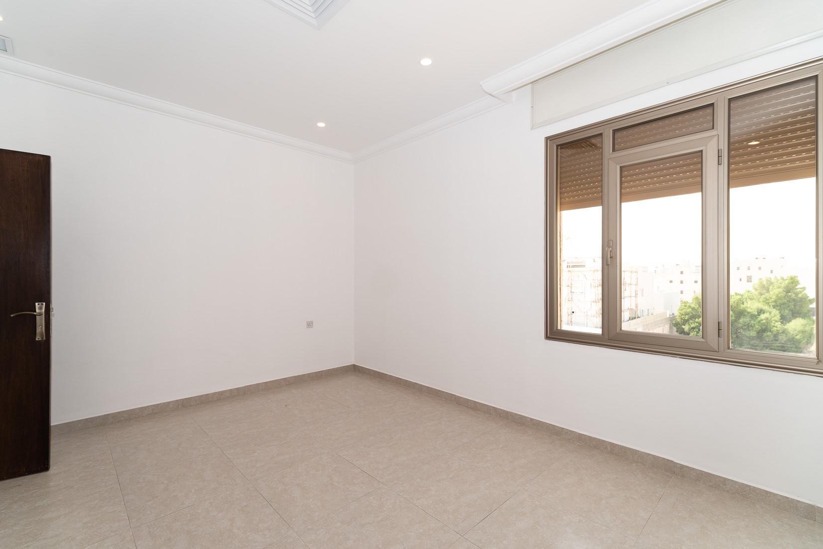 Abu Fatira – unfurnished, three bedroom apartment w/roof terrace