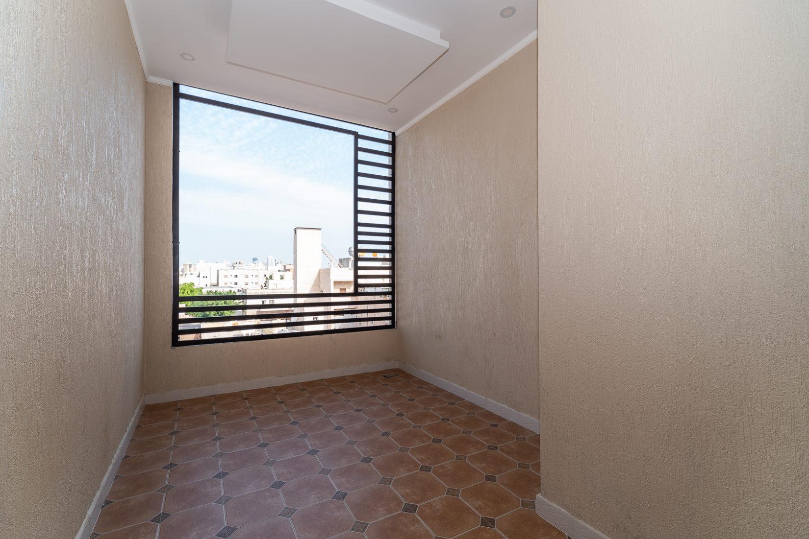 Rumaithiya – fantastic, new, three bedroom apartment w/terrace