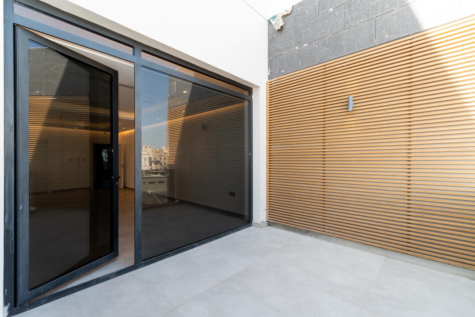 Fnaitees – lovely, new, three bedroom apartments