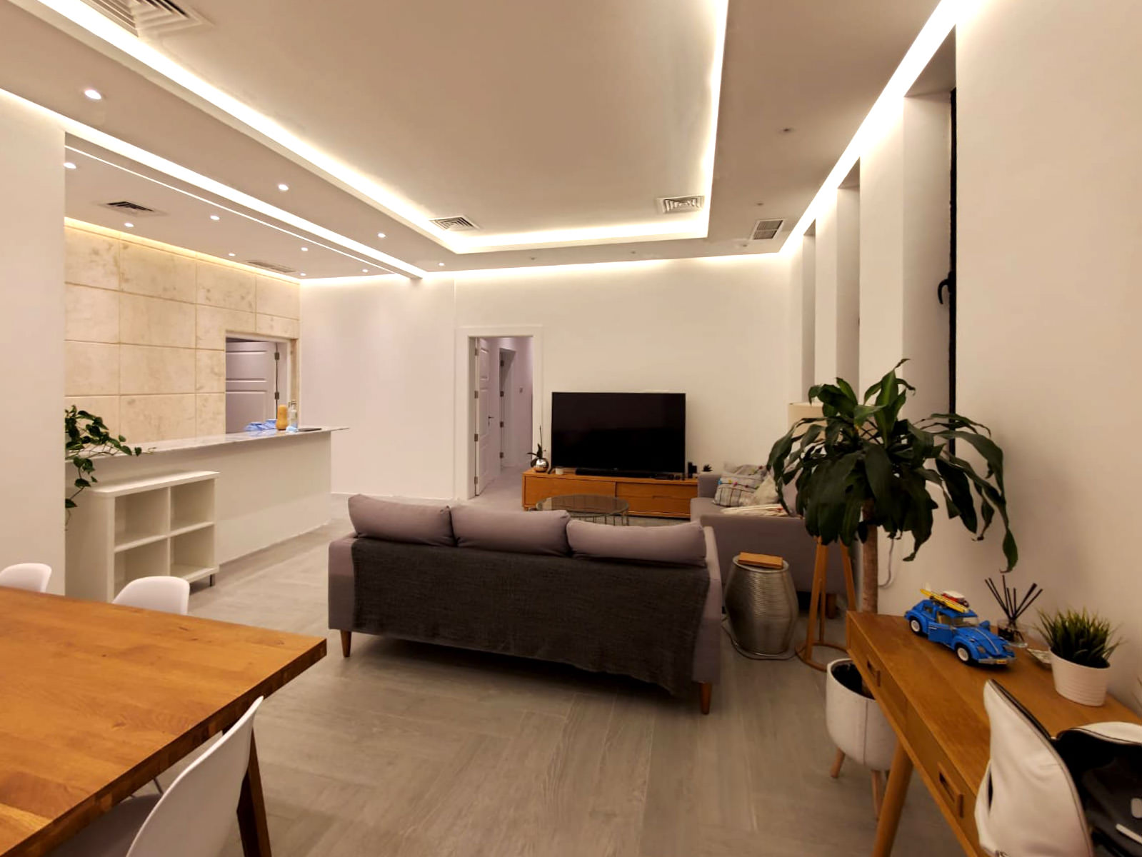 Mishref – unfurnished, three bedroom apartment w/terrace