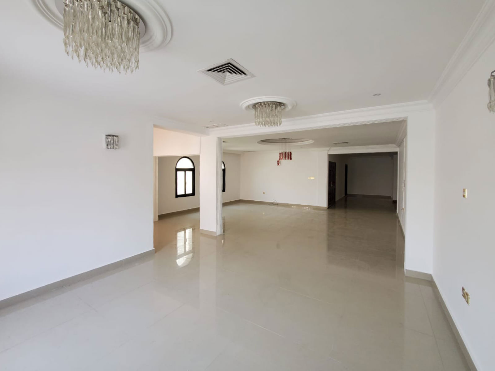 Jabriya – unfurnished, three bedroom floor w/large balcony and private entrance